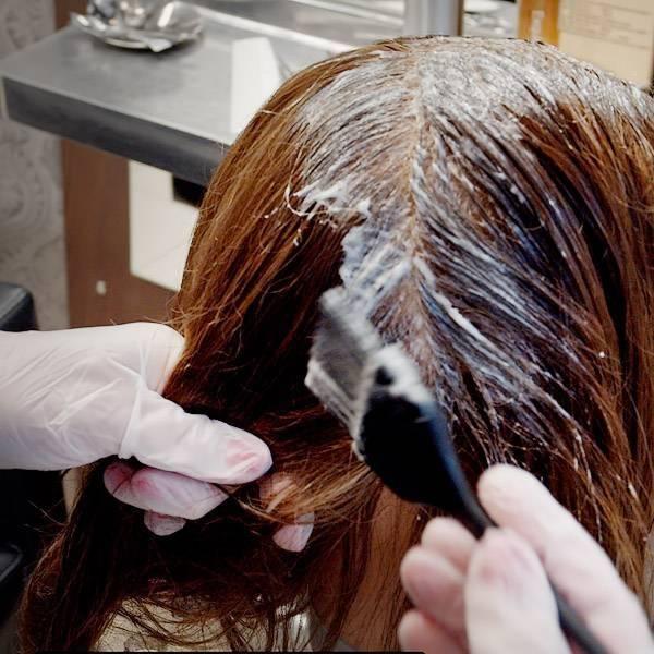 Tónování nebo přeliv vlasů
